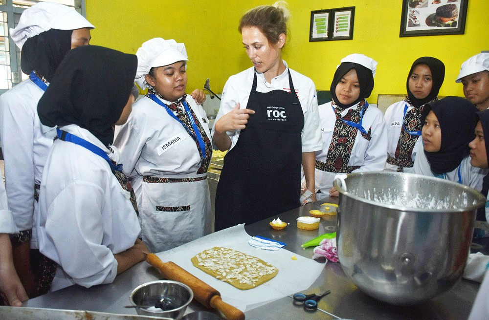 Dutch chefs train vocational school students in Malang