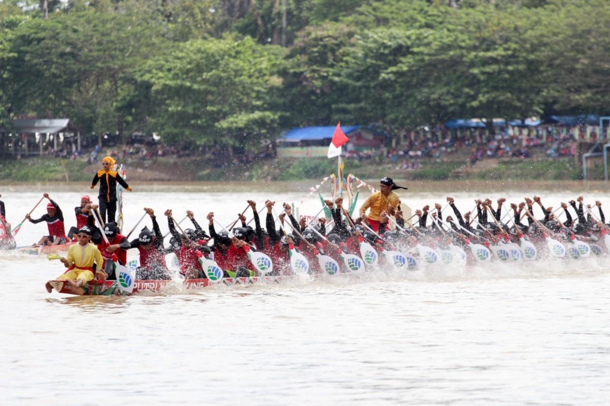 Pacu Jalur Festival showcases Riau's rich culture and beauty