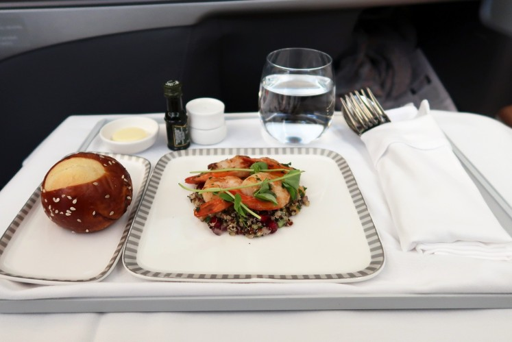 Singapore Airlines serves after take-off and midflight meals as well as refreshments for passengers on the Singapore-New York route.
