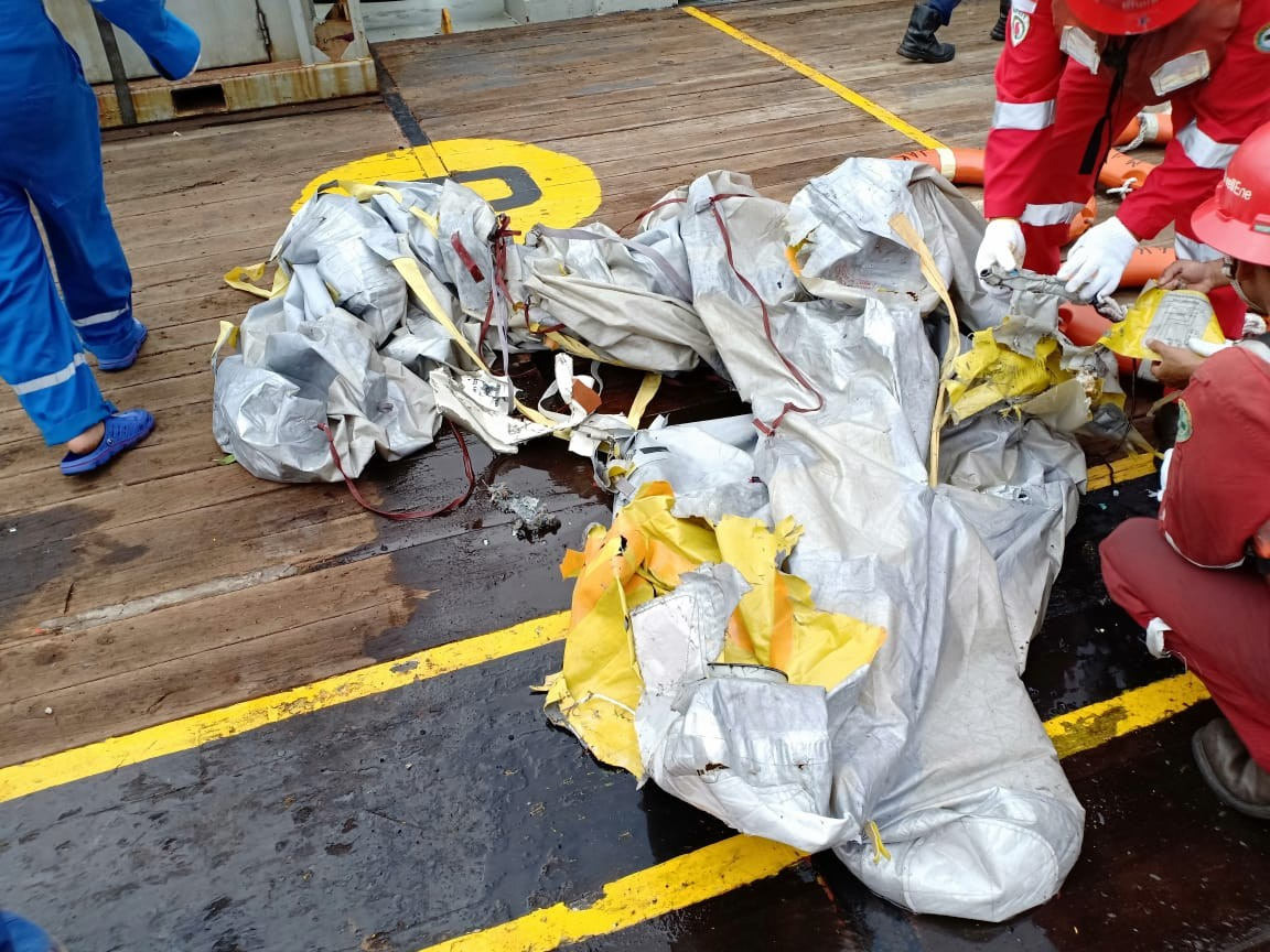 Basarnas locate debris, officials reported among passengers of Lion Air JT610