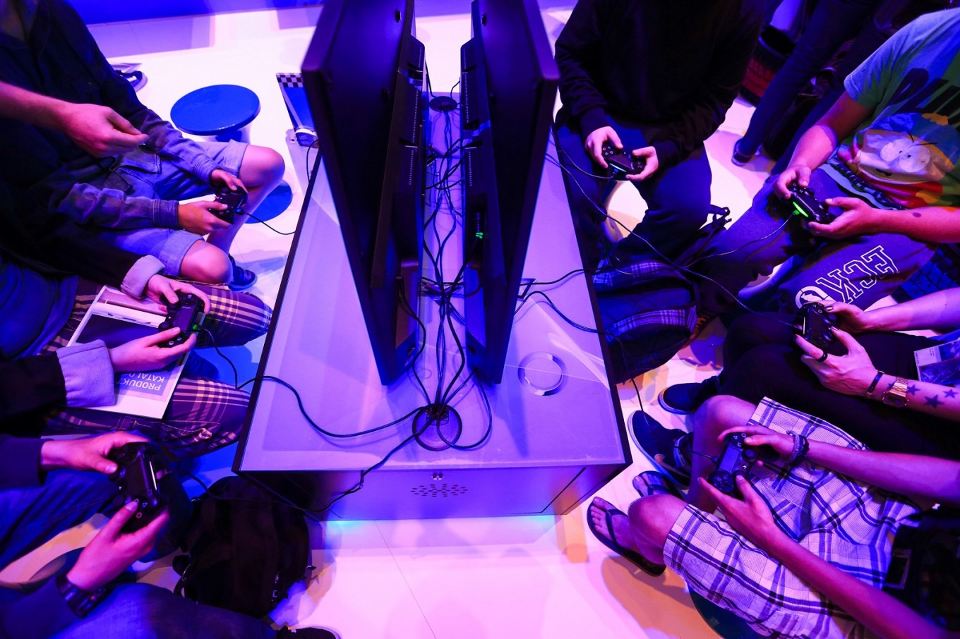 PlayStation's best-ever cycle girds Sony for cloud-gaming battle