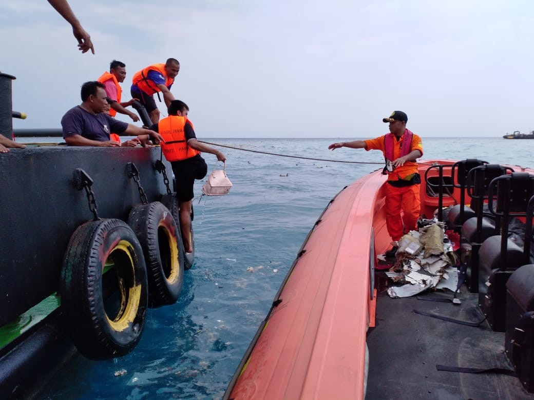 Limited underwater visibility hampers search for flight JT610