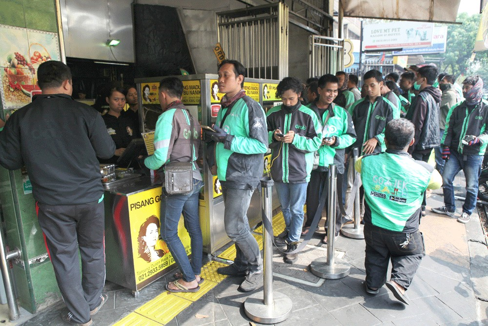 From foe to friend, ministry commits to fare hike for 'ojol' drivers in Greater Jakarta