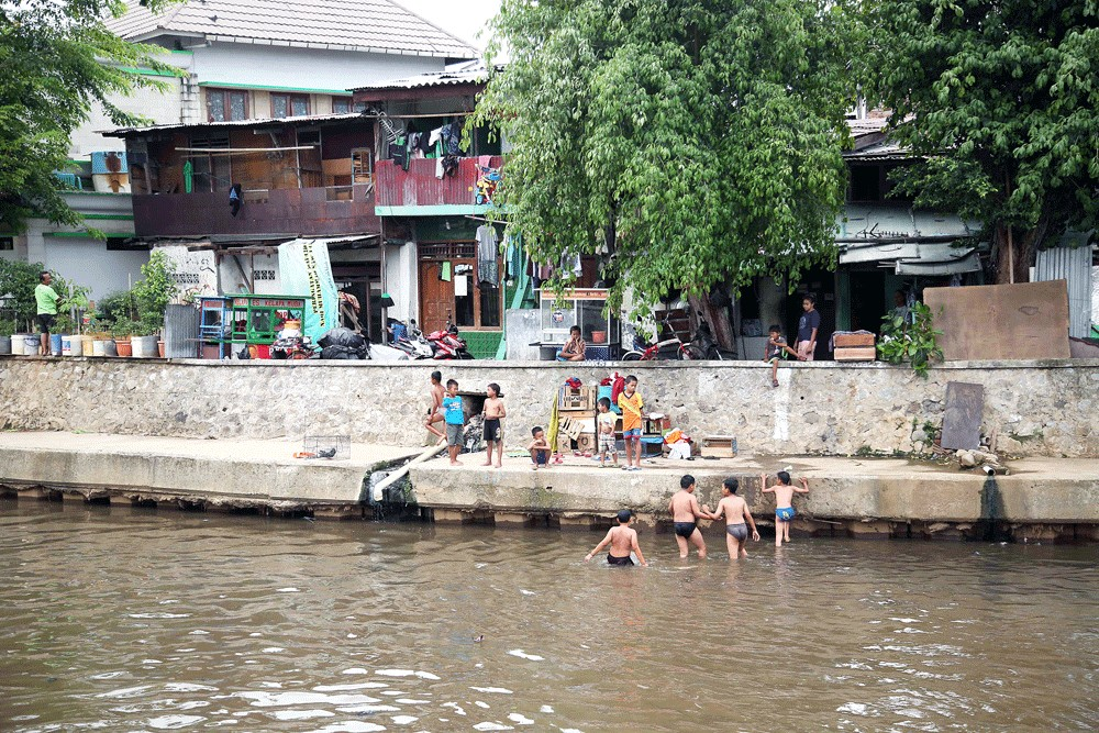 River naturalization can help mitigate flooding in Jakarta: Anies