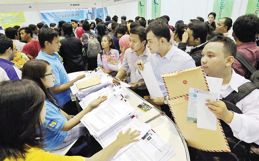 Govt expects unemployment to worsen, continue into next year