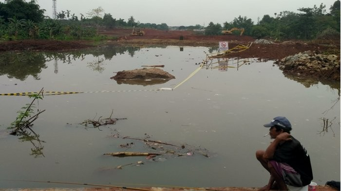 South Tangerang boy drowns in water-filled construction hole