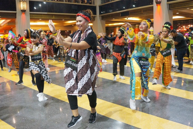 More than 4,000 people participate in Indonesia Menari 2018  Art  Culture  The Jakarta Post