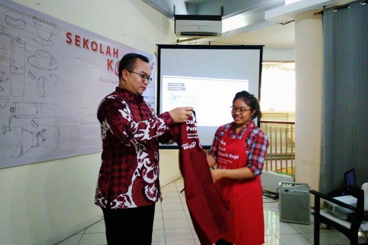 Yessica Cahyani Sitohang, a student of IPB's Sekolah Kopi. (JP/Theresia Sufa)