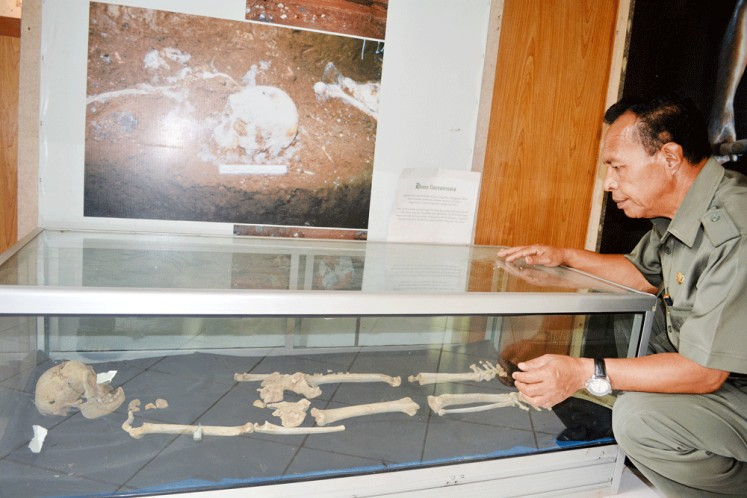 The Hobbit of Flores: The skull and bones of a Homo floresiensis are on display at Liang Bua Museum in Manggarai regency, Flores, East Nusa Tenggara. A joint team of Indonesian and Australian archeologists found the remains in the Liang Bua cave in 2003.