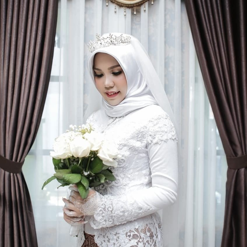 JT610 victim's bride takes wedding photo shoot without groom