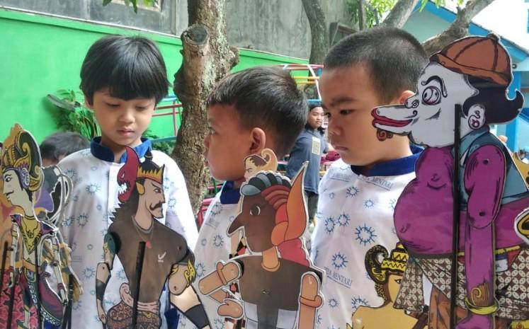 Contemporary 'wayang' lures millennials to kindergarten's exhibition