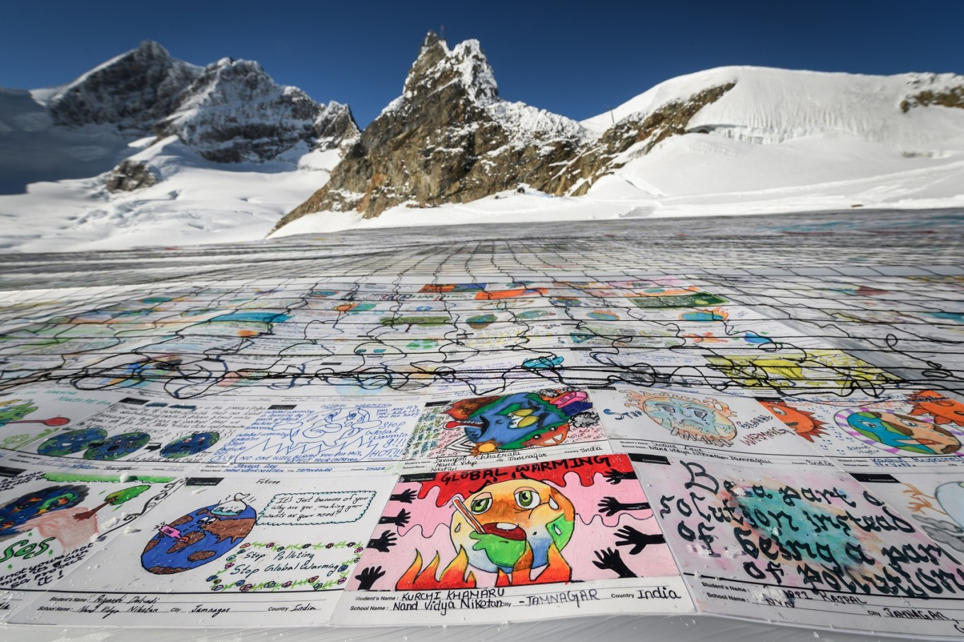 Record-breaking Alps postcard sends message against climate change