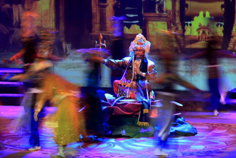 Technology meets theater in Teater Koma's 'Mahabarata'