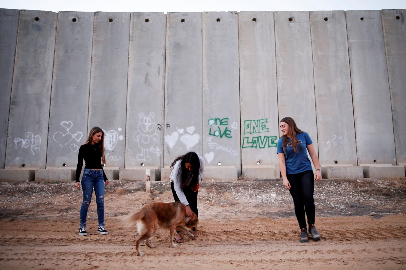 Divided by war, Israel and Gaza's Instagrammers tell their own stories