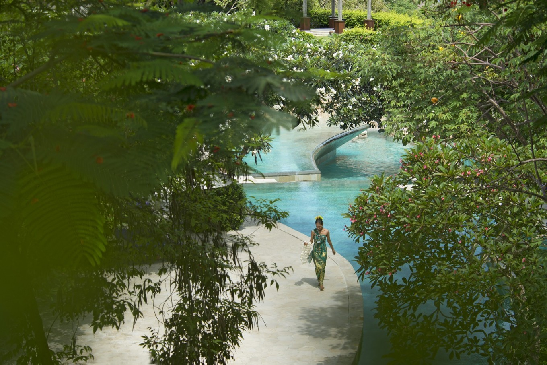 No smartphones by the River Pool: Ayana Resort Bali