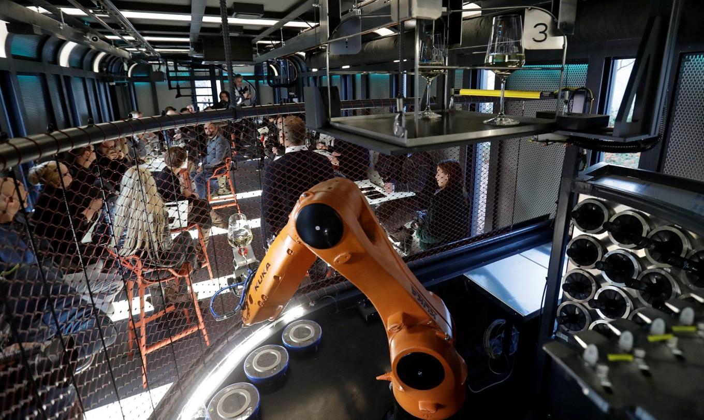 Welcome to Prague's wonderful robot saloon