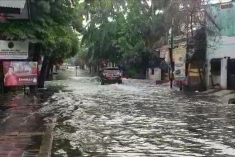 Inundation in East Jakarta following heavy rain
