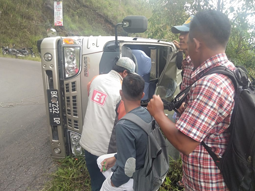 Tour bus accident in Lake Toba area injures nine Malaysians