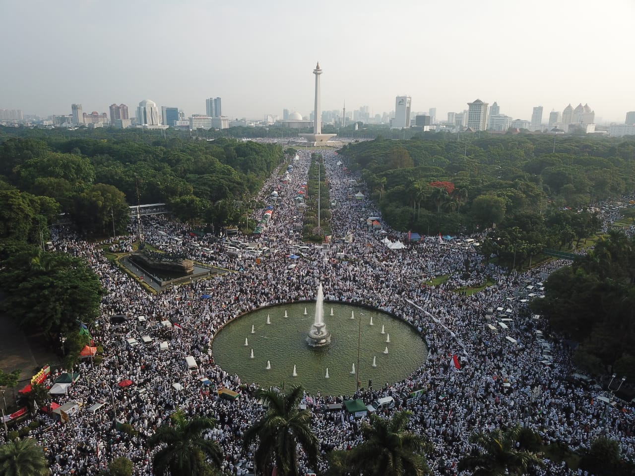 Anti-Ahok protesters, opposition camp mark 212 rally anniversary