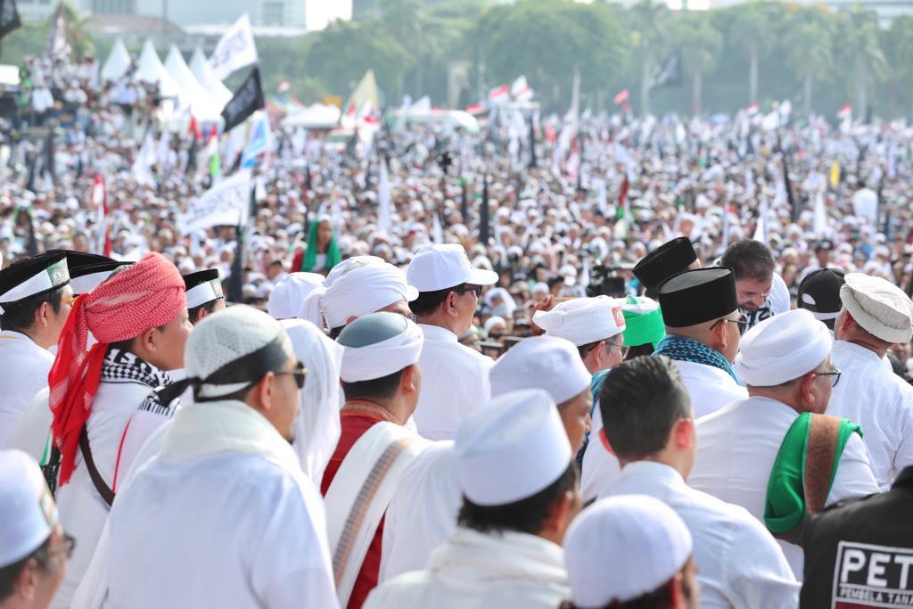 Jokowi coalition remains confident despite 212 rally