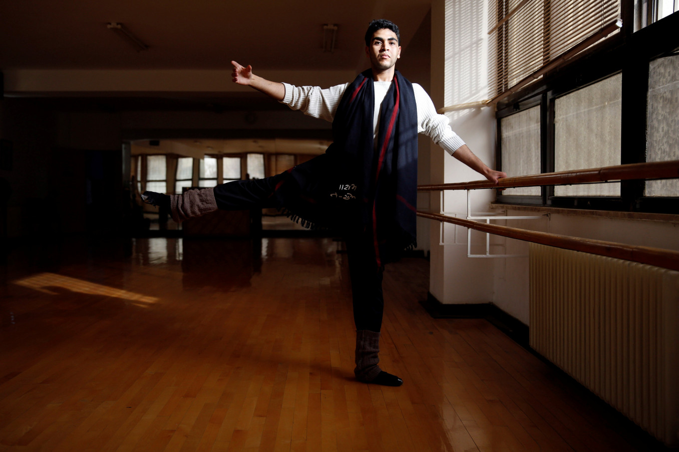 Male ballet dancer hopes to break stereotypes in Jordan