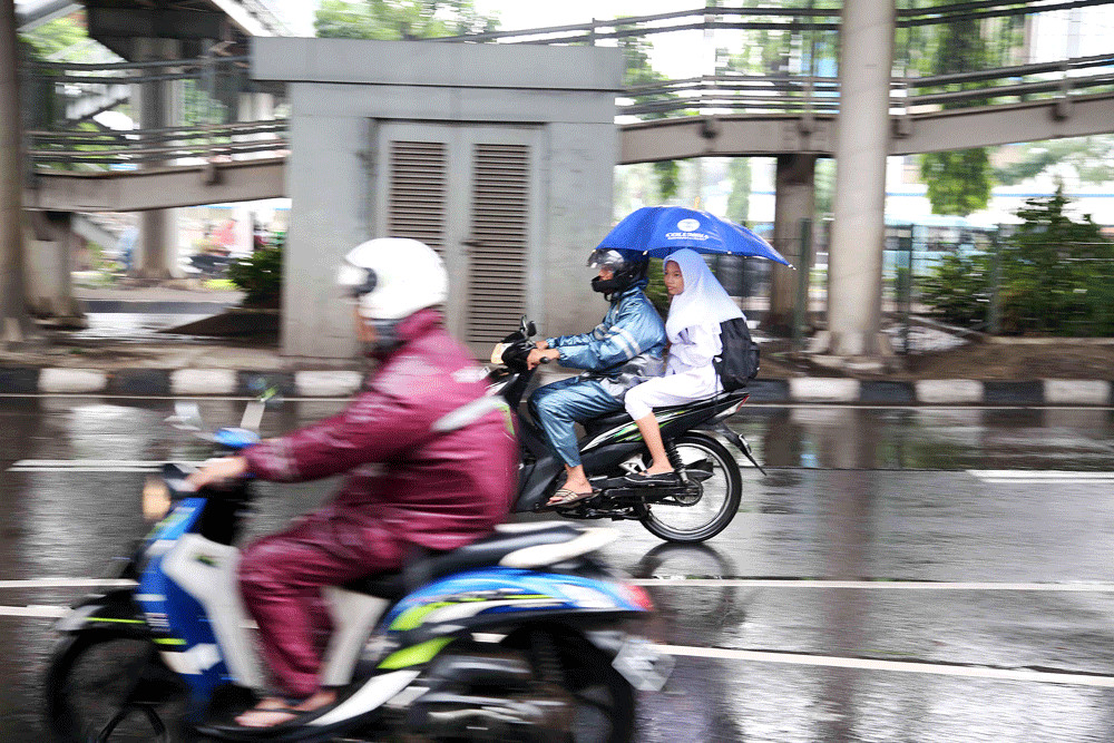 Heavy rain, strong winds predicted to hit Jakarta