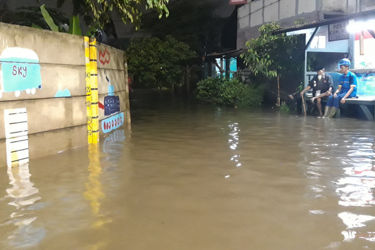 City to install mobile pumps to curb flooding in East Jakarta