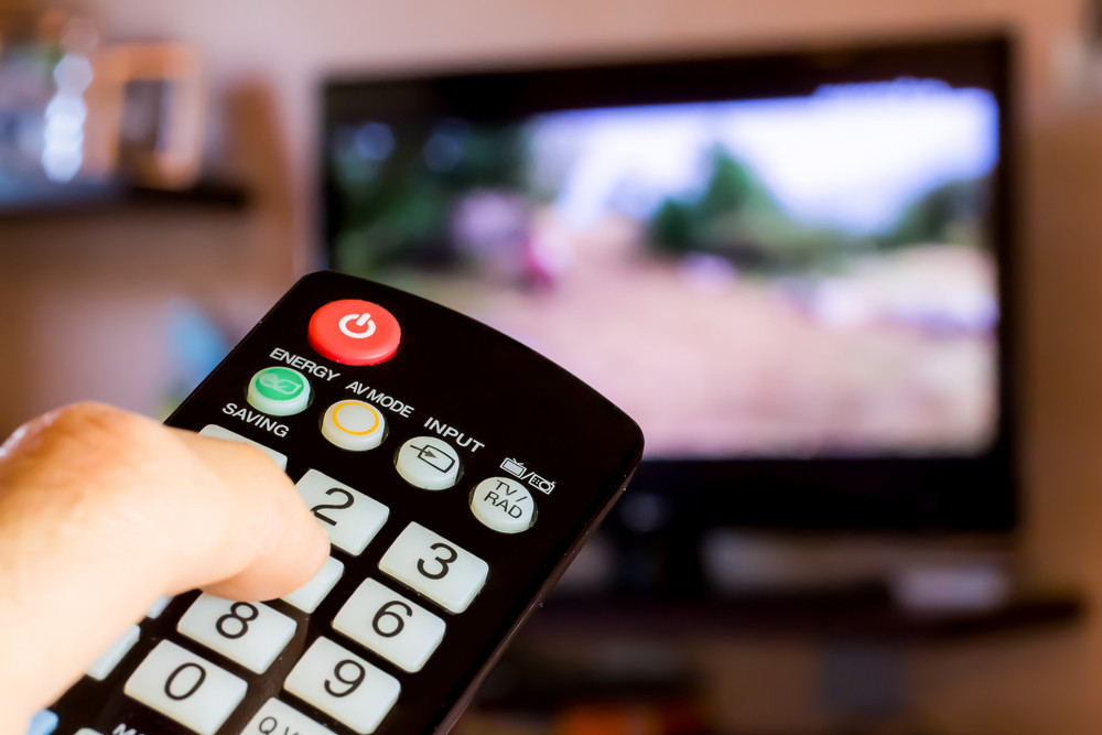 Television holds ground for news, as print fades: US study