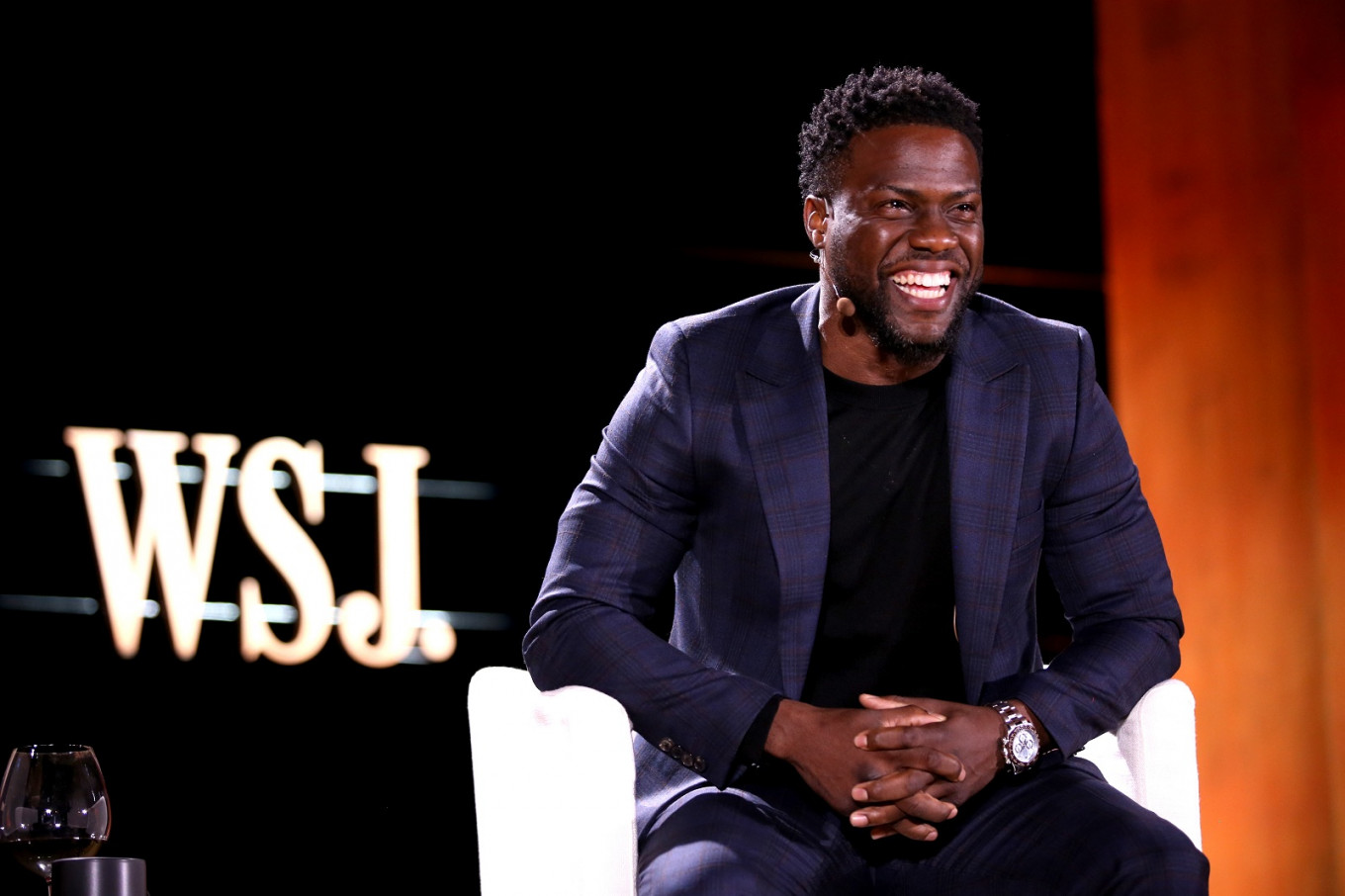 Kevin Hart out as Oscars MC over anti-gay tweets