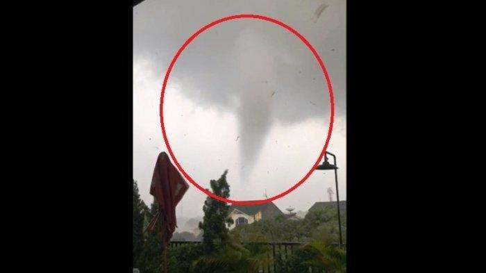 First rain after dry days could cause tornadoes at this time of year: BMKG