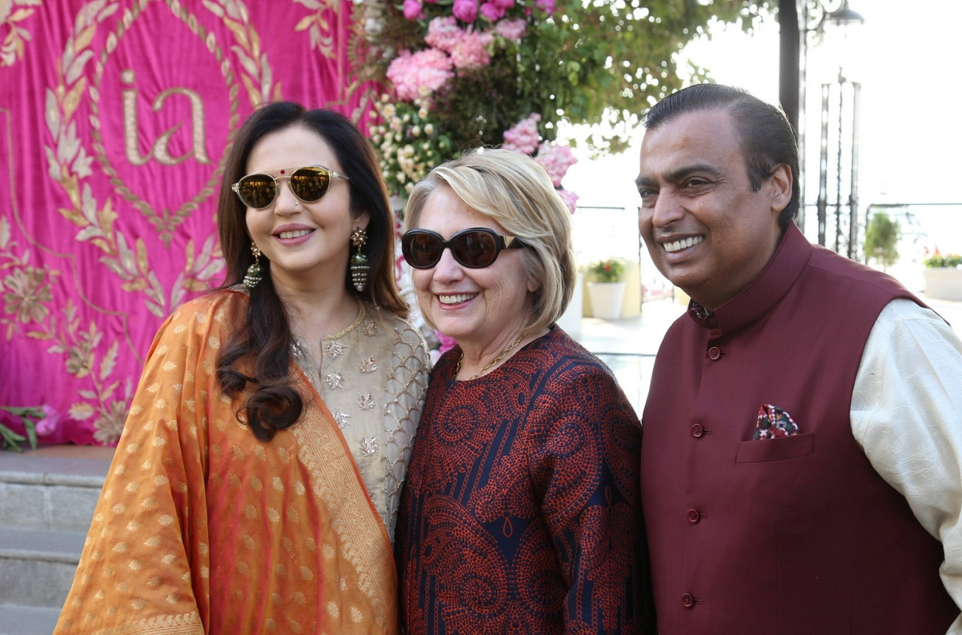 VIPs arrive at pre-wedding bash for daughter of India's