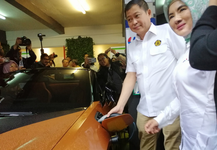 Govt upbeat over electric vehicle, but charging stations still rare to find