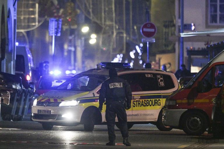 Strasbourg France Christmas Market Hours.Gunman On Run After Killing Three At Strasbourg Christmas