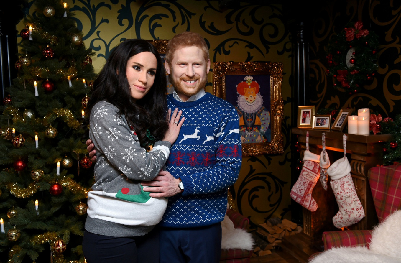 By popular demand: Meghan and Harry live figures go on show in Berlin