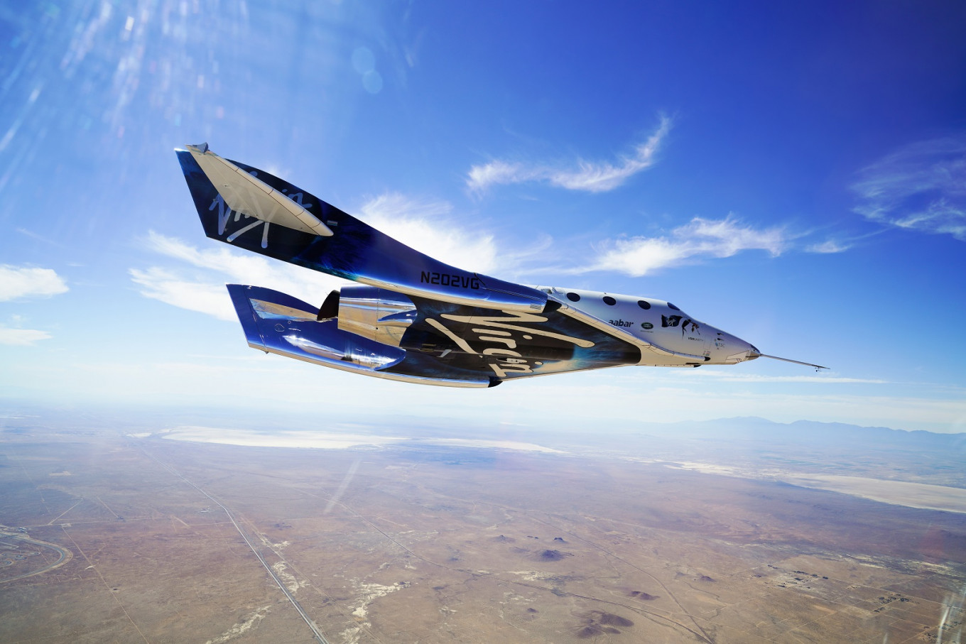 Richard Branson expects to fly passengers into space by 2020