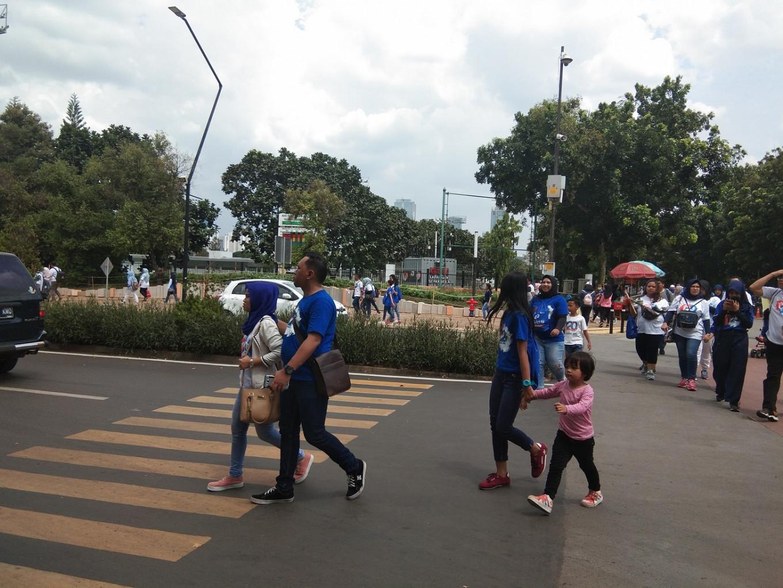 'Bizarre' zebra crossing in GBK forces pedestrians to jaywalk