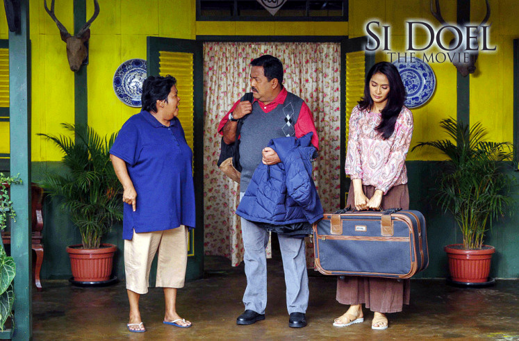 Continuing the legacy: The original cast of the 1990s television sitcom Si Doel Anak Sekolahan (Doel the School Boy), Rano Karno (center), Suti Karno (left) and Maudy Koesnaedi, enjoyed a hugely popular year with Si Doel the Movie.