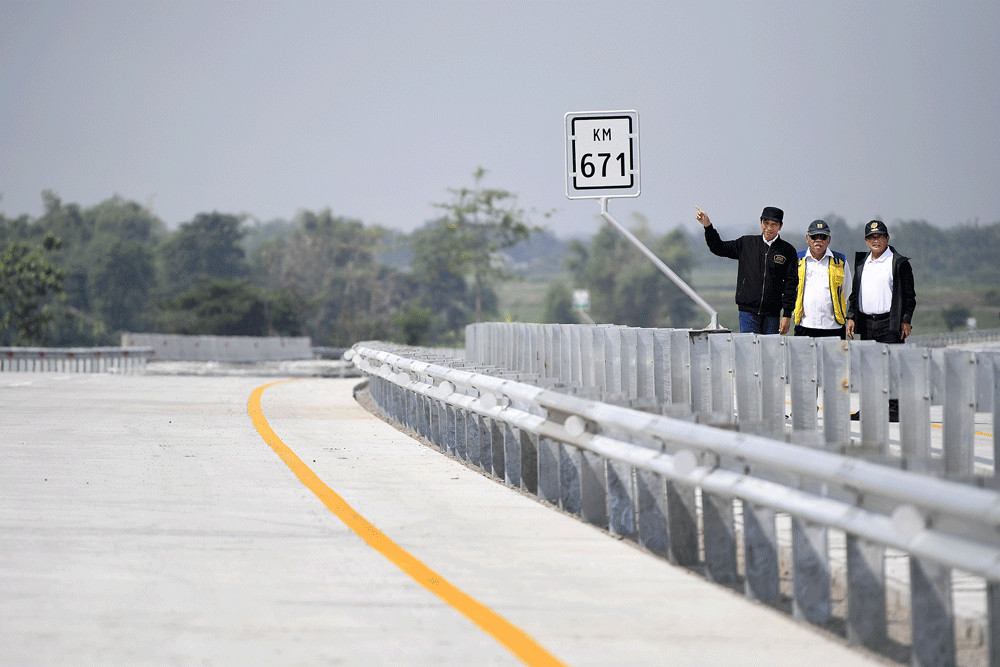 Trans-Java toll road to open at midnight but drivers may experience bottlenecks