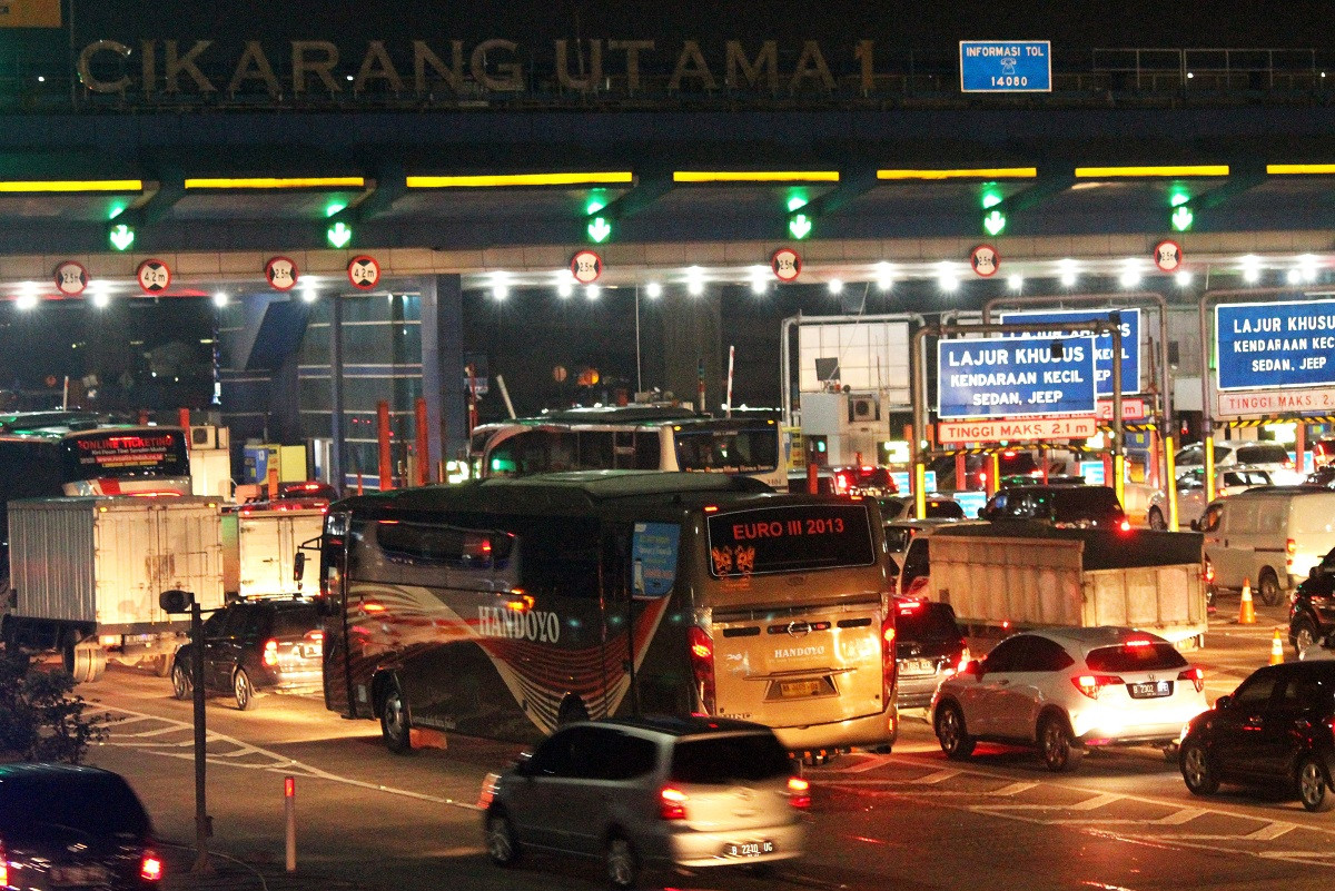 We cannot continue like this: Jokowi on Jakarta's traffic