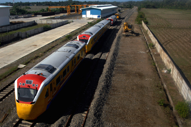 A train parks at a trans-Sulawesi railway project  in Pekkae village in Barru regency, South Sulawesi, on Nov. 5. The railway will span 2,000 kilometers, connecting Makassar in South Sulawesi to Manado in North Sulawesi.