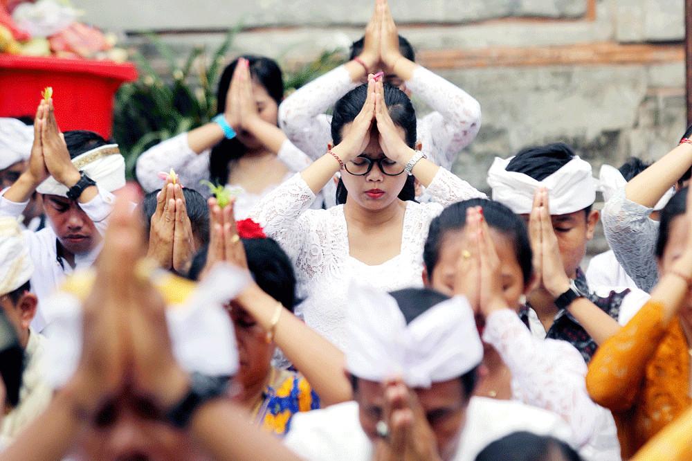 Earthquake hits Bali during Galungan celebrations