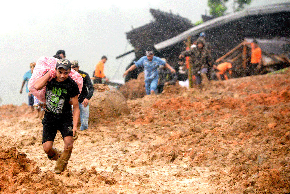More bodies retrieved from site of landslides in Sukabumi