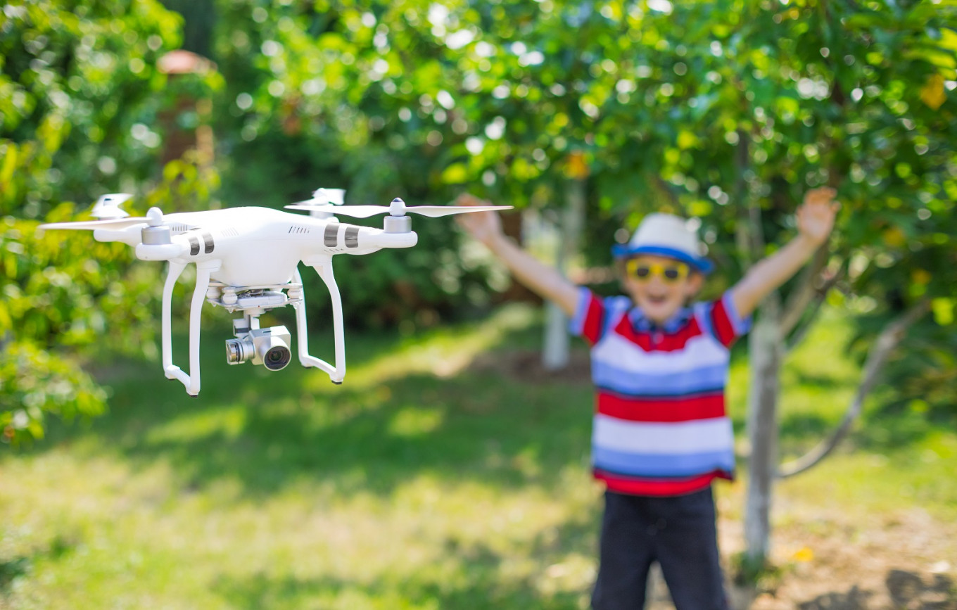Pros and cons of 'drone parenting'