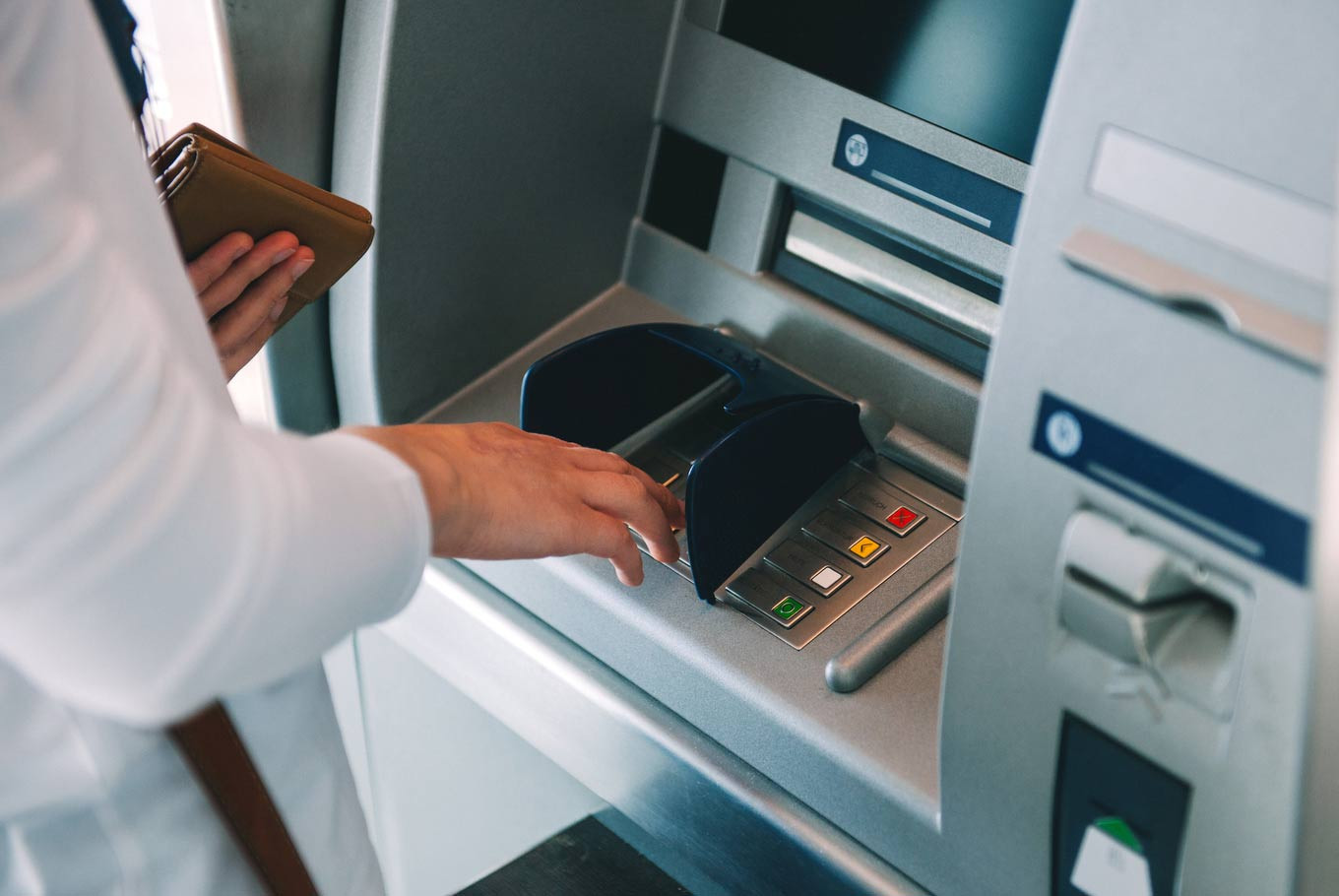 Four Bulgarians arrested for alleged ATM scam