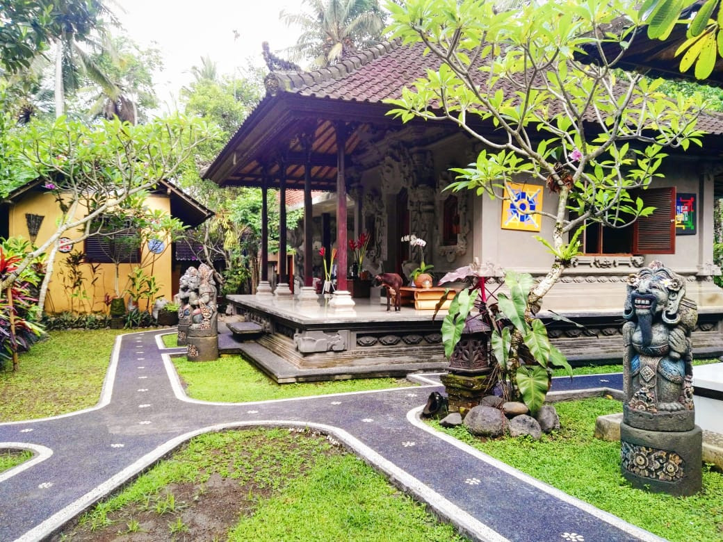 A home on the route of our guided walking tour in Sayan, Bali.