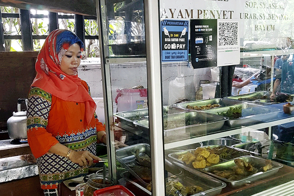 Female internet users contribute to rapid adoption of e-money in Indonesia