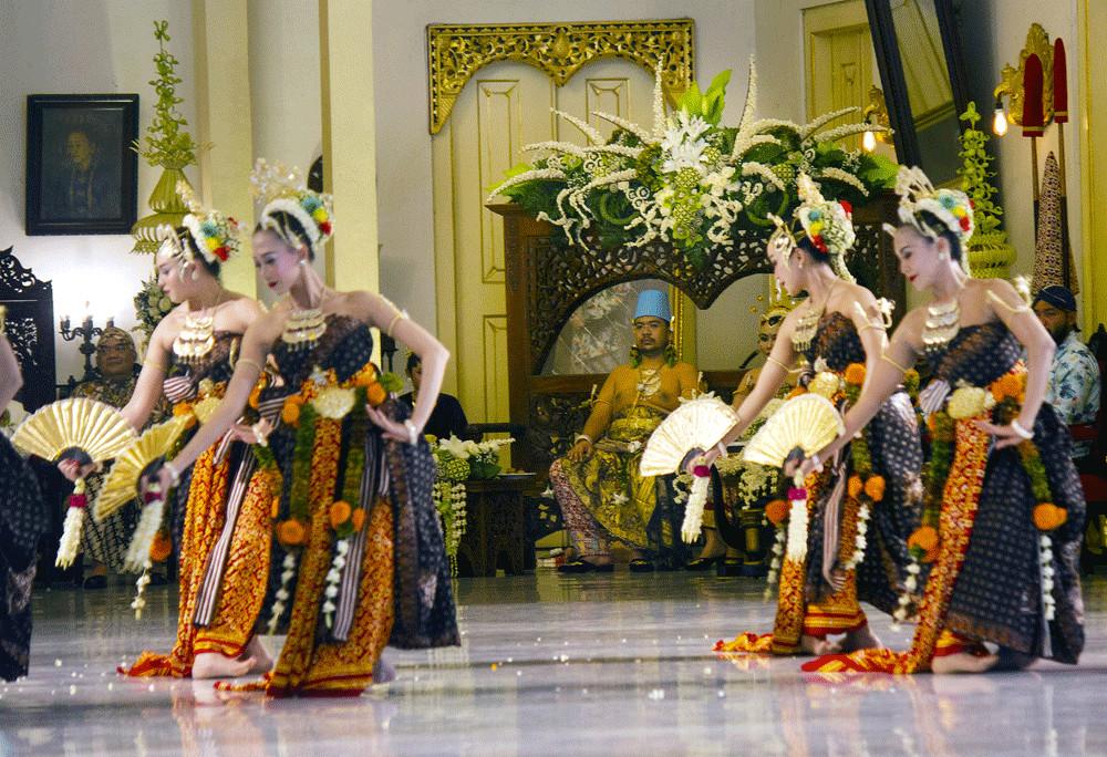 Jokowi attends Pakualaman royal wedding