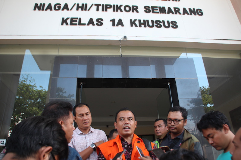 Suspended Purbalingga regent intended to use kickback to cover up fund misappropriation, trial reveals