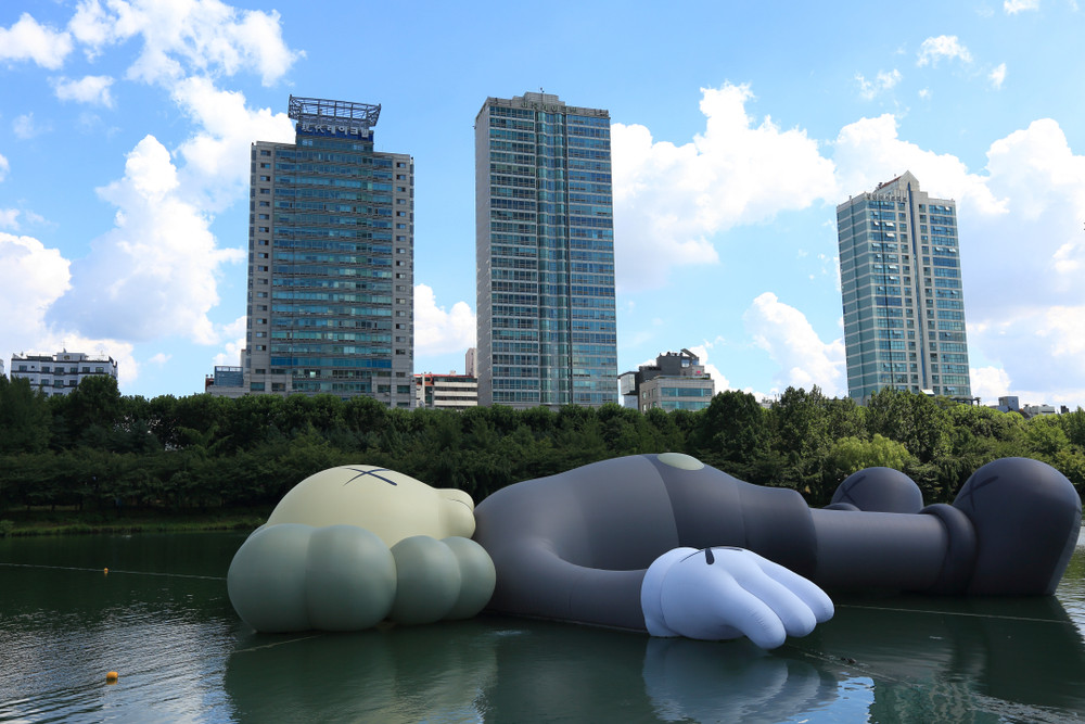 Kaws to erect super long sculpture in Taipei