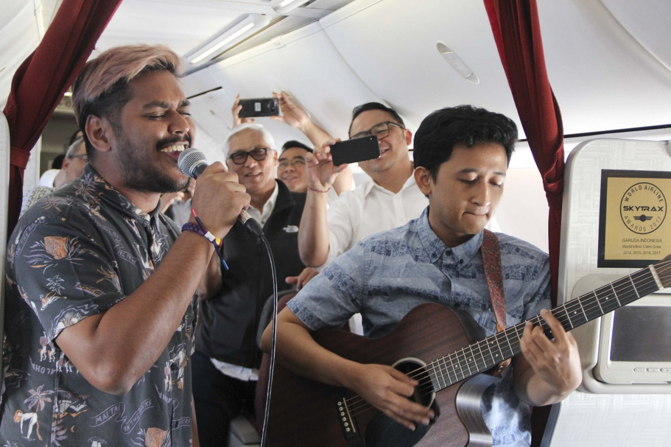 Garuda's in-flight live music doesn't quite strike chord with netizens